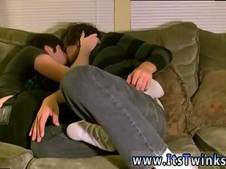 Latinos,Twinks,teen,twink,kissing,brunette,latin sex,gay Aron kissing his...