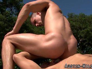 gay Pornstar licks up...