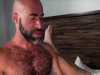 Bears (Gay),Blowjob (Gay),Gays (Gay),HD Gays (Gay),Men (Gay) Hot hunk with big...