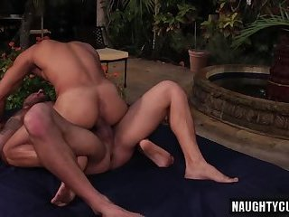 Anal,Cumshot,Hunks,Outdoors,outdoor,hung,muscled,gay Latin son outdoor...