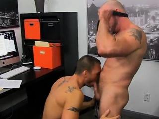 Blowjob (Gay),Gays (Gay),Hunks (Gay),Men (Gay),Muscle (Gay),5:30 Hot gay sex The...